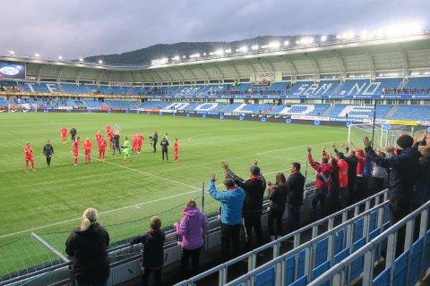 Det tar seg ikke helt ut med bølgen og Kokkalele etter ett poeng, men ett poeng i Molde er en liten seier.