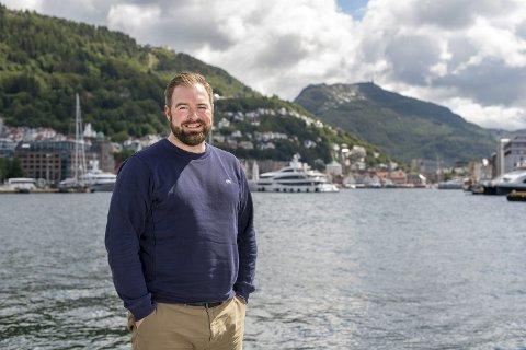Morten Dahl Sebjørnsen er prosjektleder for Tall Ships Race Bergen 2019. – Jeg håper alle tar turen til byen for å se på de flotte skutene og alt det kjekke som skjer. FOTO: EIRIK HAGESÆTER