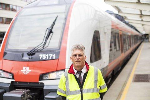 Lokfører Arild Torsvik var inne i Ulrikstunnelen på vei til Arna med dette toget da han fikk melding om brann i isolasjonsmattene i taket. – Jeg ble ikke redd. Det var ganske udramatisk, sier han.