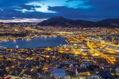 Bergens tragedie er at den fikk altfor vide kommunegrenser i 1972. Heller enn en bymessig bebyggelse på et avgrenset areal, ble bergenserne spredd tynt utover på det tidligere strilelandet. Å snu utviklingen vil gjøre vondt for mange, men er helt nødvendig.