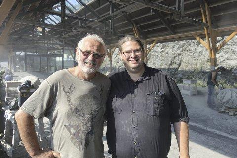 Arne Mæland og sønnen Vidar Bratlund-Mæland arrangerer det ekstra symposiet denne uken.