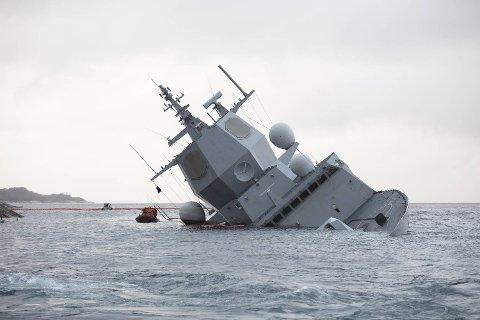 Politiet og Havarikommisjonen arbeider fortsatt med å finne ut nøyaktig hva som skjedde da fregatten forliste.