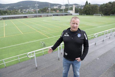 – Vi finner løsninger sammen med foreldrene. Spillerne vet som regel ikke om at det er klubben og ikke foreldrene som har betalt kontingenten, sier daglig leder Roy Inge Pettersen i FK Fyllingsdalen.