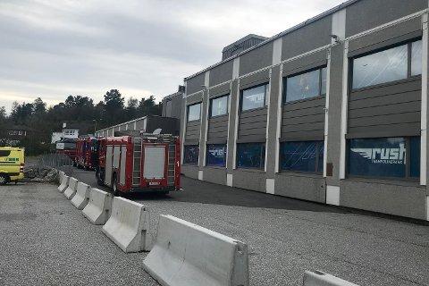 84 personer ble evakuert etter en brann på trampolinesenteret Rush på Kokstad lørdag.