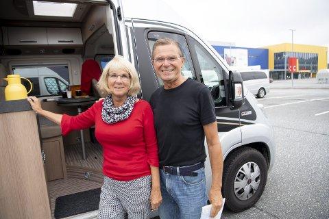 Ekteparet Ben og Nellie Maaskant fra Delft i Nederland er på sin åttende bobiltur i Norge. De er veldig         glade i norsk natur, og har kjørt på kryss og tvers av landet. – Vi kjører fort 22.000 kilometer i løpet av en sommer, sier han.