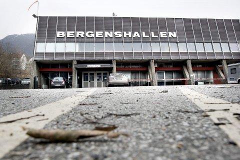 Bergenshallen har stadige problemer. Vedlikeholdsetterslepet er enormt, og i sommer måtte BIK avlyse årets hockeycamp. Arkivfoto: Skjalg Ekeland