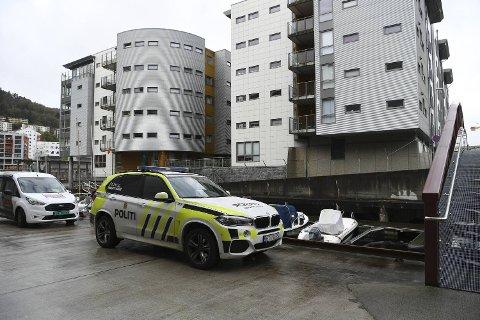 Torsdag formiddag lette politiet etter kvinnen i sentrumsområdet, her fra Marineholmen.