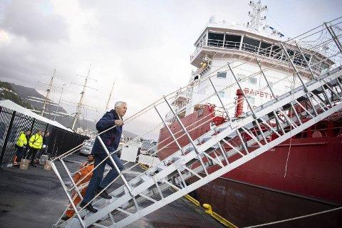 Ove Utkilen var første mann om bord da skipet la til kai i Bergen i går.