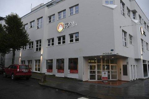 I dette bygget i Kaigaten har Bergen Frp sitt konstituerende gruppemøte torsdag kveld.