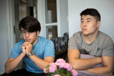 Verge Yngve Træland og to brødre fra Afghanistan som har bodd snart to år på Grønebrekka på Askøy. Nå vil kommunen legge institusjonen ned.