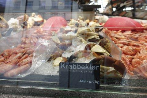 Krabbeklør hos Fjellskål Fisk & Skalldyr i Mathallen til 449 kroner kiloet.