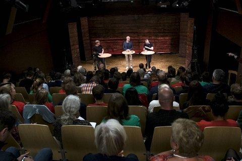 Spørretimen BA på Litteraturhuset. Roger Valhammer fra AP møtte Mikkel Grüner fra SV til debatt før valget.