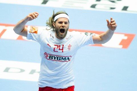 Danmark og Mikkel Hansen er store favoritter i mandagens kamp mot Ungarn. Vi tror danskene vinner, men det blir neppe med kalassifre.   Foto: Fredrik Hagen / NTB scanpix