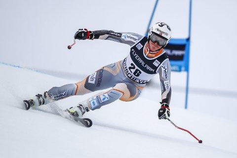 Sanket poeng: Maria Tviberg fikk seks verdenscuppoeng på storslalåm lørdag og 14 verdenscuppoeng i parralell-storslalåm søndag. Her er hun i aksjon i Courchevel i Frankrike rett før jul. ARKIVFOTO: AP