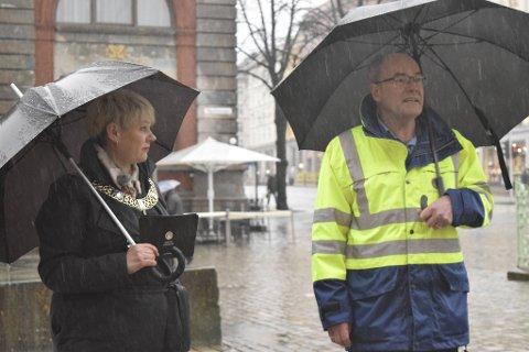 Ordfører Marte Mjøs Persen og fagdirektør i Vann- og avløpsetaten Magnar Sekse.