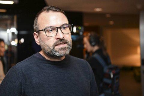 Mikkel Grüner (SV) har levert inn mistillitsforslaget mot Linn Engø.