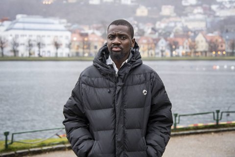 Bheki Dlamani får støtte fra Bergen SV.