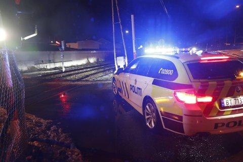 – Om bommene gikk ned eller ikke kan vi ikke bekrefte, selv om det ser slik ut, sier innsatsleder Jens Ove Wahl i politiet.