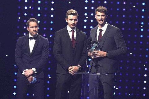 """Anders Mol (t.h.) og Christian Sørum fikk prisen for """"Årets lag"""" under Idrettsgallaen 2020 i CC Amfi på Hamar lørdag."""