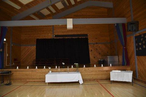 Det ble tent lys i gymsalen på Aurdalslia skole mandag morgen.