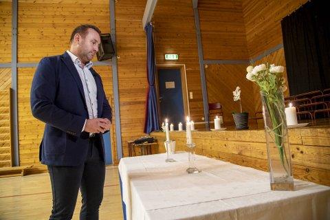 Rektor Terje Tviberg ved Aurdalslia skole forteller at ledelsen nå jobber med å ivareta elevene på best mulig vis.