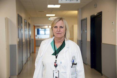 Legevaktsjef Dagrun Waag Linchausen forteller at en sykepleier ved legevakten ble slått i ansiktet denne uken.