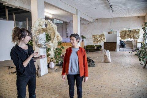 Vandrekonserten «Villgeiter, plastikk, fuglestøy og enveistrafikk» har premiere på Bergen Kjøtt fredag. En konsert med fokus på natur og klima under korona, av Eva Piftzenmaier og Maria Victoria Høvring Høeg.