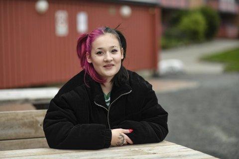 Natalia Methlie (19) har lagt bak seg en svært tøff ungdomstid, med depresjoner, angst og rusproblemer. Nå fokuserer hun på fremtiden.