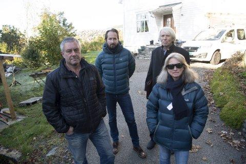 Erik og Reidun Kristensen i front, Henrik Meland Madsen og Mandred Janson bak. De reagerer på planene i nabolaget.