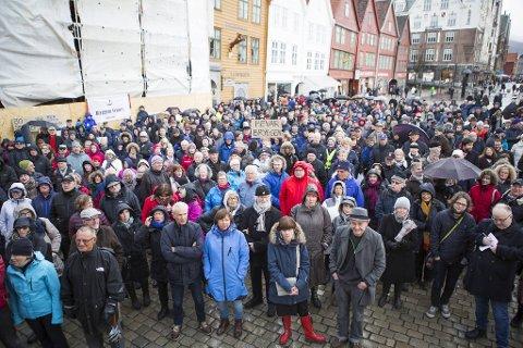 I 2015 demonstrerte Bryggens venner mot bybane langs Bryggen.