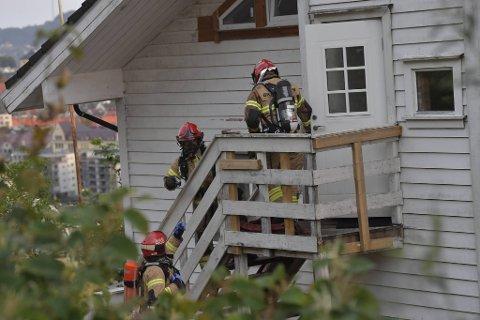 Store styrker fra brannvesenet rykket ut.