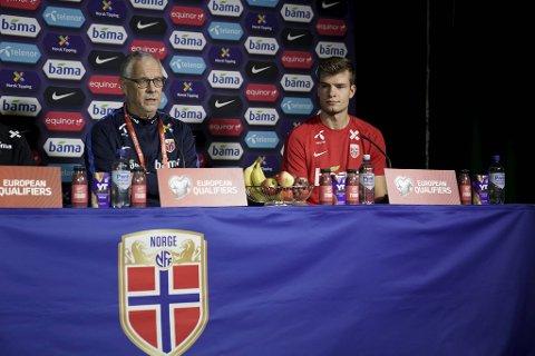 Stemningen mellom landslagssjef Lars Lagerbäck og Alexander Sørloth var alt annet enn god etter playoff-fadesen mot Serbia.