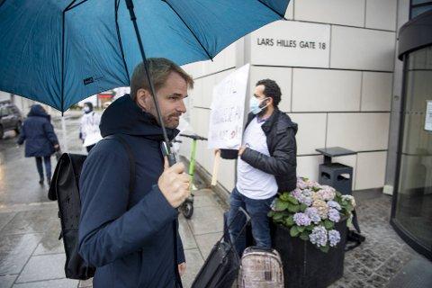Byrådsleder Roger Valhammer orienterte pressen om siste utvikling i smittesituasjonen i Bergen.