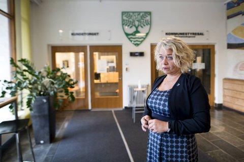 Tross stort potensiale for videre vekst i kommunen, har ikke næringslivet tillit til kommunens næringsutviklingsarbeid, ifølge NHO-rapport. Ordfører Siv Høgtun (H) i Askøy sier at hun jobber intenst med å snu skuten.