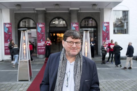 Festivalsjef Tor Fosse er fornøyd med å presentere 120 langfilmer på kino under årets filmfestival.