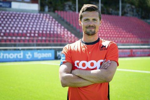 Eirik Wollen Steen blir i Åsane i minst to år til.