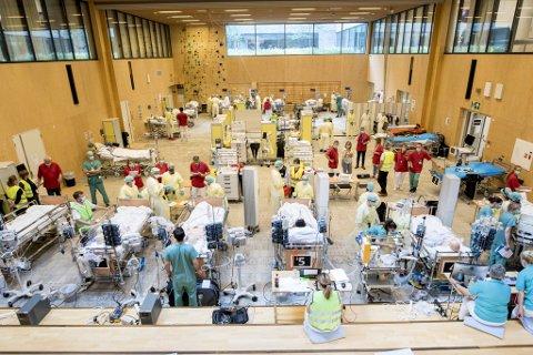 Her testes intensivkapasiteten på Haukeland under en pandemiøvelse i sommer.