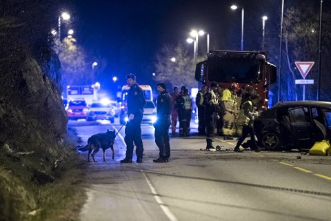Totalt seks ungdommer satt i ulykkesbilen.