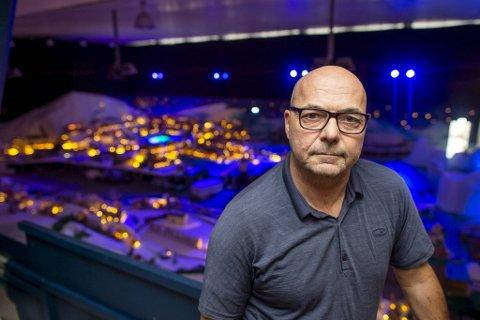 Steinar Kristoffersen, daglig leder for Bergen sentrum, har ennå ikke fått åpnet dørene til årets utgave av Pepperkakebyen.