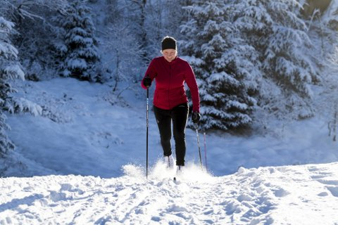 Ingrid Mehn-Andersen (27) testet ut skiene for første gang i år.