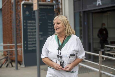 Legevaktsjef Dagrun Linchausen ser en tydelig nedgang på antall folk som tester seg. Hun håper det er fordi at tiltakene fungerer.
