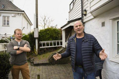 Bernhard Steindal og Helge Gundersen har vært uten internett i tre uker. Nå koker det snart over.