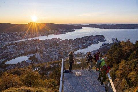 Det faktum at Bergen er inngangsporten til vakre fjorder, trekkes frem som et stort trekkplaster.
