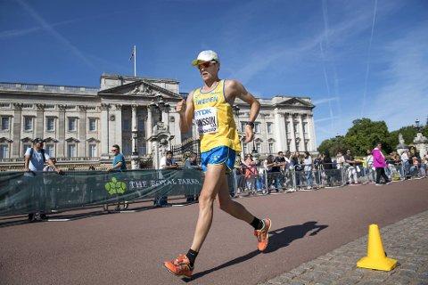 Anders Hansson i 50-kilometeren i VM i London i 2017. Der ble han nummer 28. Fredag sovnet han inn, 28 år gammel. FOTO: Jessica Gow/TT