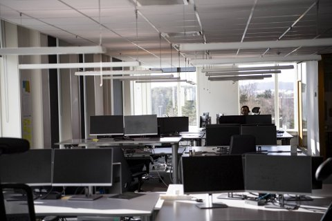 Tomme kontorlokaler kan bli enda tommere etter helgen, på grunn av kommunens nye påbud om hjemmekontor. Bildet er av Nordea Liv sine lokaler i vår.