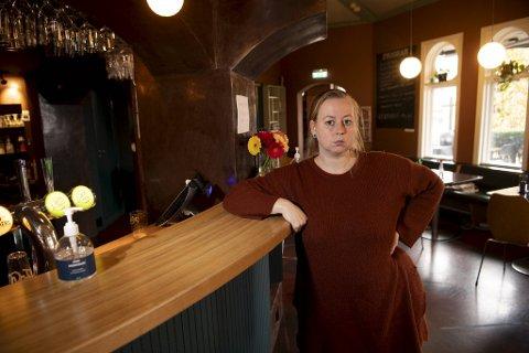 Linn Nitter er daglig leder ved Dr. Wiesener. Hun er ikke fornøyd med de nye tiltakene til kommunen.