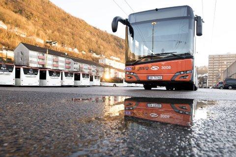 102 el-busser og 10 elektriske trolley-busser rullet ut i Bergens gater tirsdag.