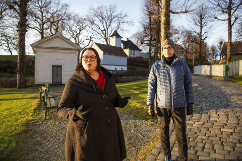 Direktør ved Bymuseet Marianne L. Nielsen og sikkerhetskoordinator ved Bymuseet, Rune Løland, frykter for fremtiden til Gamle Bergen