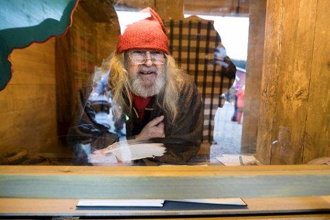 Fjøsnissen på Gimmeland er overrasket over at de fleste av barnas juleønsker i år er nærhet og klem.