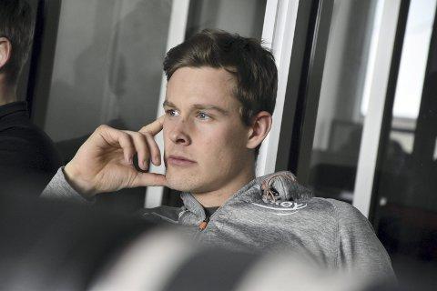 Sindre Henriksen er lei det monotone livet i Stavanger, og tror det kan ha gått ut over prestasjonene. Nå gleder han seg bare til juleferie hjemme hos mor i Bergen ...